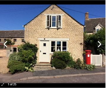 Photo for Cosy romantic Postbox Cottage