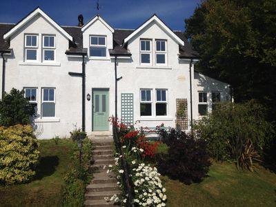 Avoca cottage with stunning views of the beach and Whiting Bay and The Clyde
