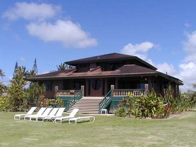 Photo for Wilikoki - a 6br/3ba beachfront home on Hanalei Bay with Wilikeiki