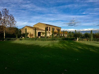Photo for Beautiful Mas nestled in orchards open view on Luberon