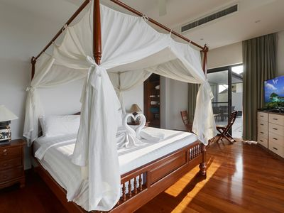 Photo for Deluxe five bedroom pool villa with sea view in Koh Samui Thailand
