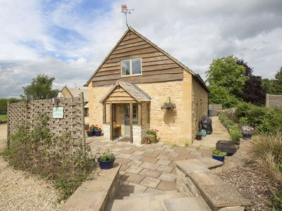 Photo for West Barn Cottage, Sleeps 4+2, Pet Friendly, Walks on Doorstep