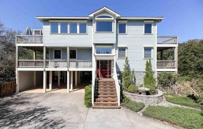Photo for Chase-n-Grace: Oceanside, 4 bedrooms, private pool, short walk to the beach.