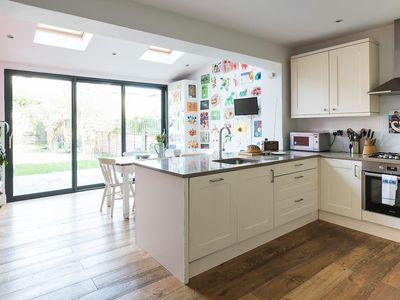 Photo for Lovely 4BR Family Home in East London