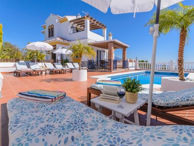 Photo for Fantastic villa with sea views, a few km from the beach