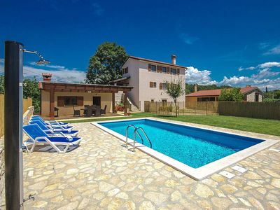Photo for Holiday house Marusici for 4 - 6 persons with 2 bedrooms - Villa