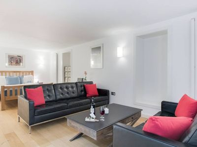 Photo for Spacious New Kings Road Nest - MMY