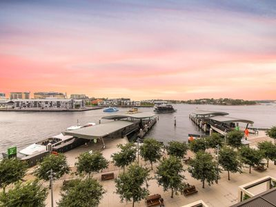 Photo for barangaroo home withwaterview(darling harbour)
