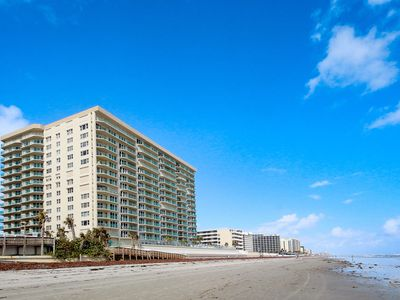 Photo for Luxury condo w/ ocean view, pools, hot tubs, & beach access - snowbirds welcome!