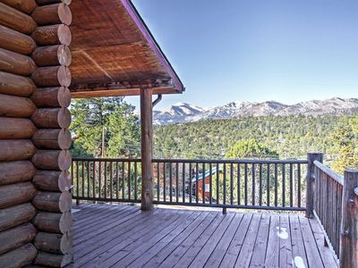 'Lacy's Log Cabin' Alto Home w/Mountain Views!