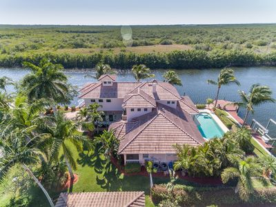 Photo for Quality ~SW~ Cape Coral Waterfront Estate
