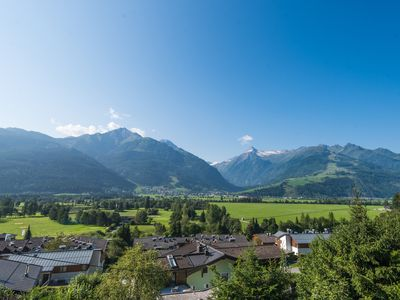 Photo for Luxurious Modern Chalet with Stunning views of Kitzsteinhorn Glacier and Valley
