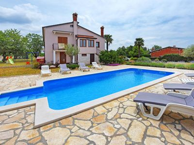 Photo for Vacation home Haus Sara  in Tar, Istria - 10 persons, 5 bedrooms