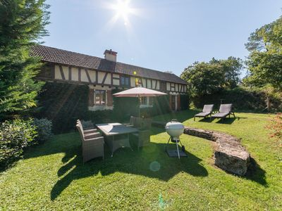 Photo for Luxury gite (6 persons), 15 km from Sarlat