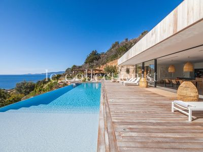 Photo for Villa A Nepita, pool & panoramic view, for 8 guests, in Ajaccio