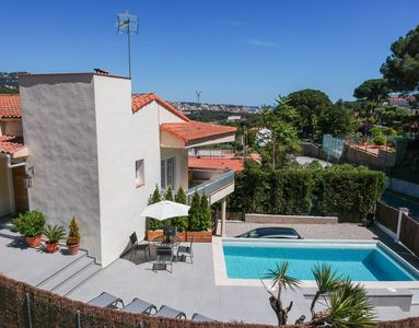Photo for Private holiday home in Lloret, sea view, swimming pool, sleeps 6, WiFi, LCD TV