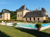 A sympathetic renovation in the grounds of a chateau