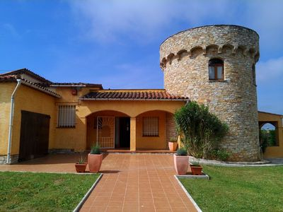 Photo for One level Villa with 4 bedrooms located in Masos de Pals