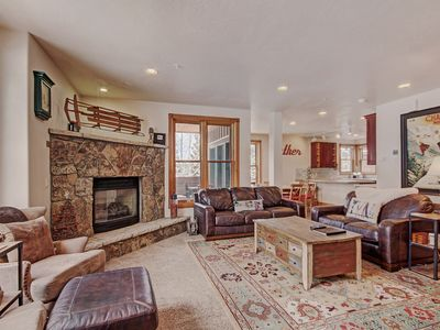 Photo for Luxury 4 Bedroom Condo in River Run - 2 Minute Walk  From the Gondola!