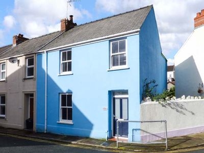 Photo for REDBROOK, family friendly, with open fire in Tenby, Ref 952738