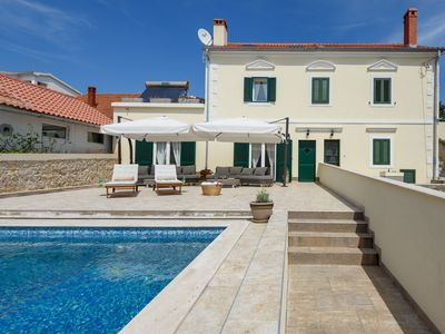 Photo for Villa on island for 10  people next to the crystal see