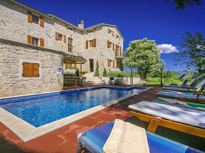 Photo for Villa with pool in a quiet location