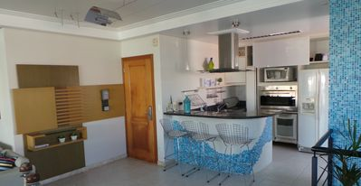 Photo for Covering 260m² w / pool, 5 Bedrooms, 4 Parking lots equipped, sleeps 11