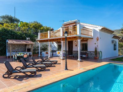 Photo for Lovely Málaga villa w/ private pool & lanai + free WiFi & wood-burning fireplace