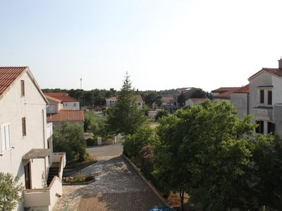 Photo for Three bedroom apartment with terrace Novalja (Pag)