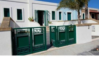 Photo for Holiday home in excellent location - Residence Costamarina - Villetta 5
