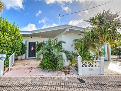 Canal Front Pool Home w/Easy Access to Boot Key Harbor and Atlantic