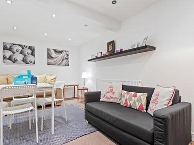 Photo for Contemporary 2 Bed apt w/Patio in East London