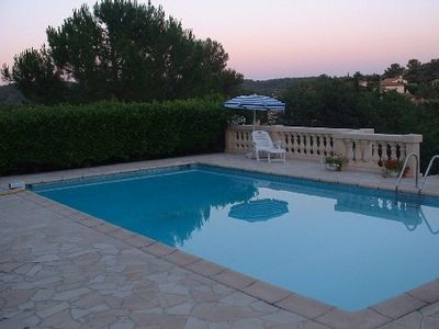 Photo for Apartment in a villa (private and secure property) quiet and landscaped