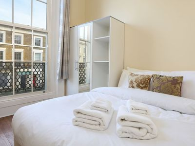 Photo for Spacious 3 Bed Flat w/Balcony in Kensington