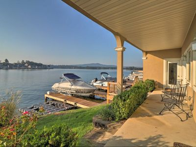 Photo for Luxurious and one bedroom condo right on  the lake.   A swimming Dock to enjoy