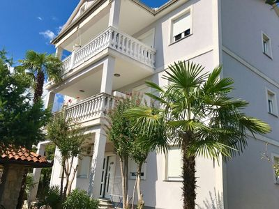 Photo for Spacious apartment with covered  balcony,200 m distant from the beach !
