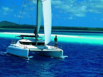 *SAIL* YOUR OWN PRIVATE YACHT ! FULL & 1/2  DAYSAILS ON HAMPTONS  #1 CATAMARAN