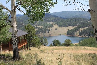 Picturesque views of the mountains and lake (just steps away from the house).