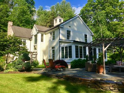 Secluded elegance, perfect location. minutes to downtown lenox