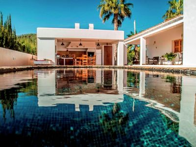 Photo for Ideally located villa with pool a short drive from Ibiza town and the beach
