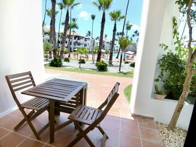 Photo for GREAT CONDO IN A FRONT BEACH RESORT W POOL & RESTAURANTS H101