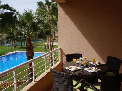 Photo for Apartment in a quiet area and 10 min walking distance from the beach