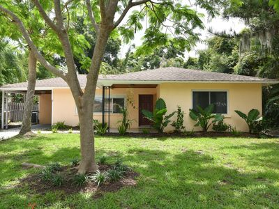 Photo for Family House 3bed/2bath with garden Sarasota Indian Bayshore