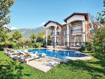 Photo for Well-furnished villa with large pool and Wi-Fi situated close to popular resort