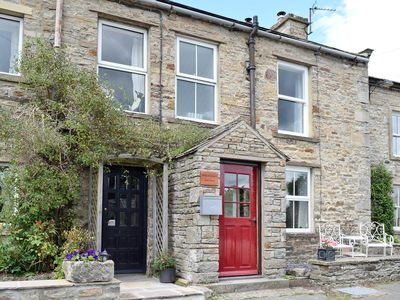 Photo for 1 bedroom property in Leyburn. Pet friendly.