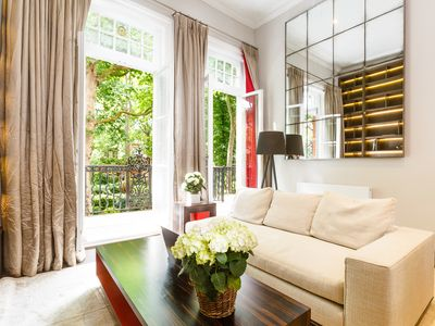 Photo for Bright, Renovated Victorian Flat in Earl's Court