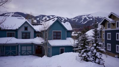 Photo for 3BR/3BA VIEW of Slopes/Walk2Lift/Town/Free Ski Storage - Main Street Junction