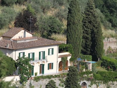 Photo for Villa in Florence - No Car Needed, Terrific Views. Exclusive Pool, Garden, Wi-Fi