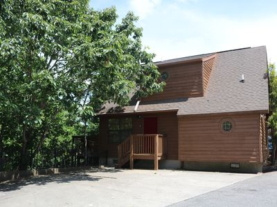 Perfect location. Away from traffic, close to Pigeon Forge and Gatlinburg.