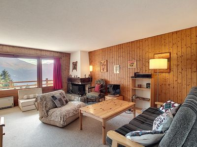Photo for Nice 2 piece apartment, in the Pleyeuse area.  Composition : • Living room with fireplace, TV, W